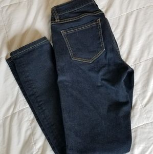 Womens cabi size 2 Jean's. Like new.